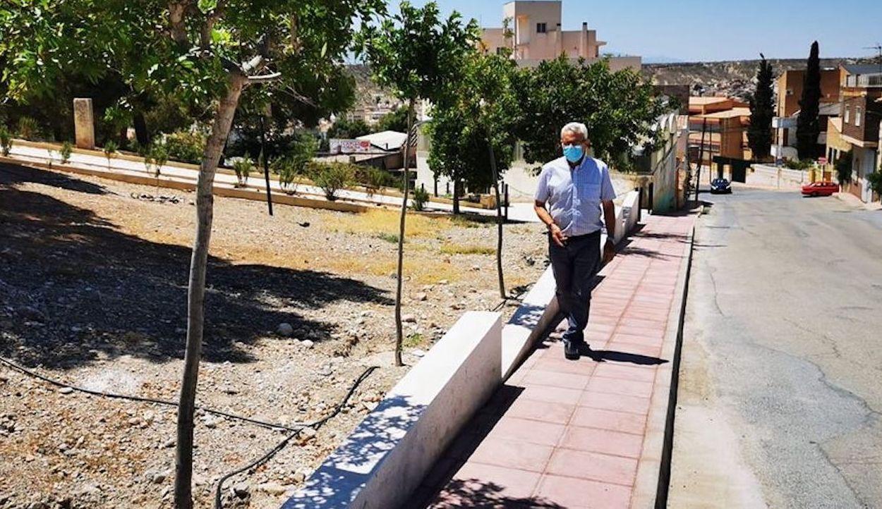 Esquelas.es | Inaugurada la nueva calzada que permitirá ir andando desde el casco urbano hasta el cementerio