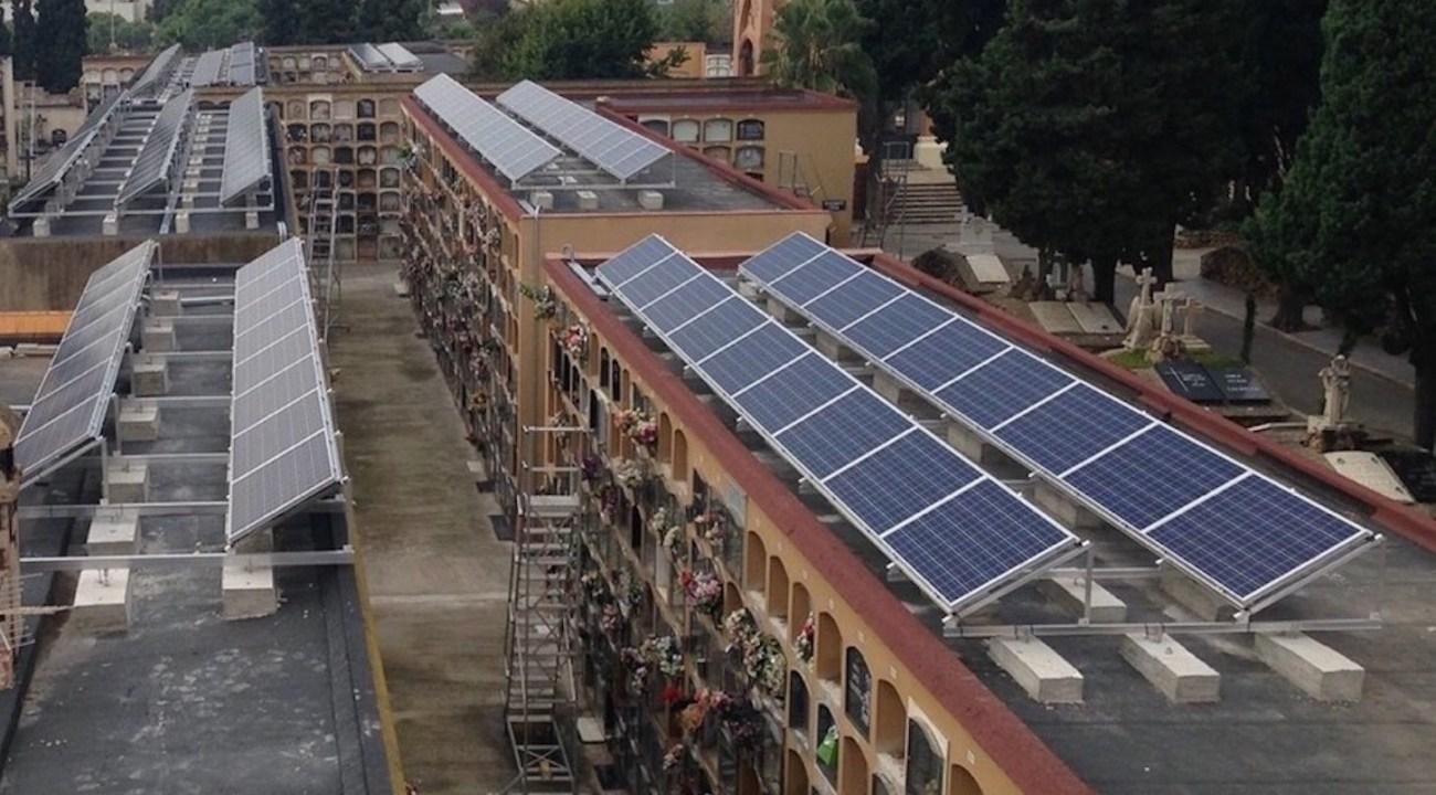 Esquelas.es | Algunos Ayuntamientos han decidido instalar placas solares en los cementerios municipales