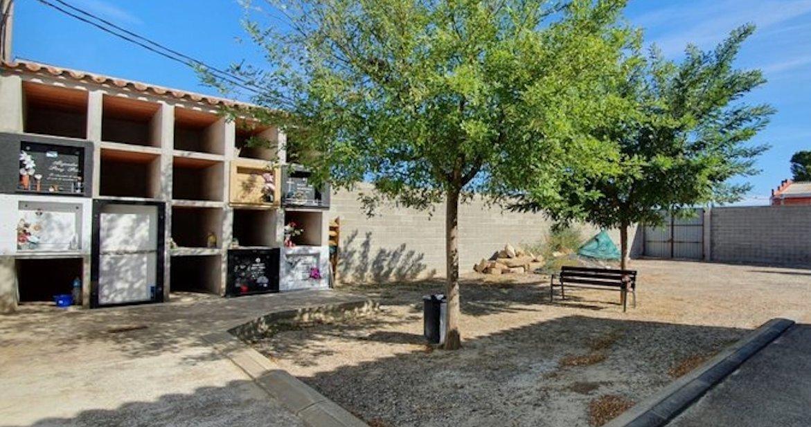Esquelas.es | El Ayuntamiento aprueba la licitación para construir nichos, columbarios y la instalación de farolas