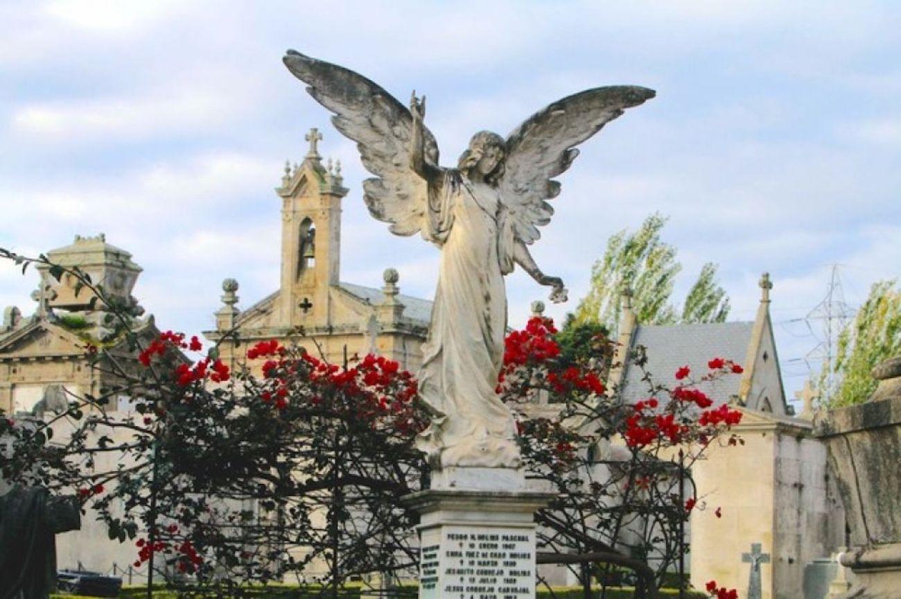 Esquelas.es   El Ayuntamiento de Vigo anuncia nuevas visitas guiadas y teatralizadas por el cementerio de Pereiró