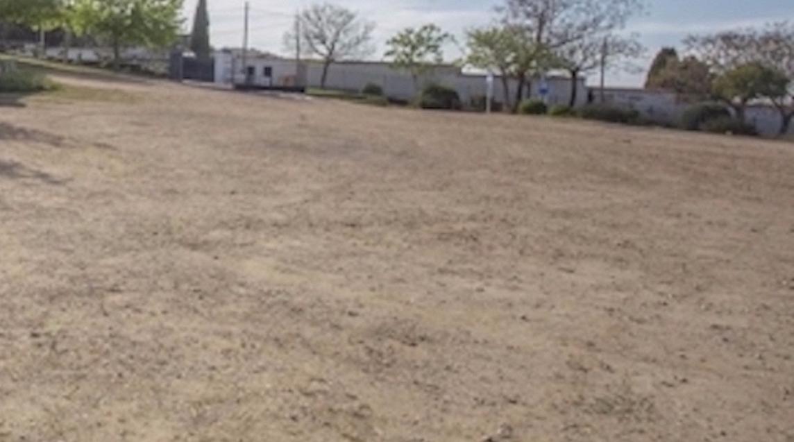 Esquelas.es | Ninguna empresa se ha interesado en ejecutar las obras para un aparcamiento en el cementerio de Cáceres