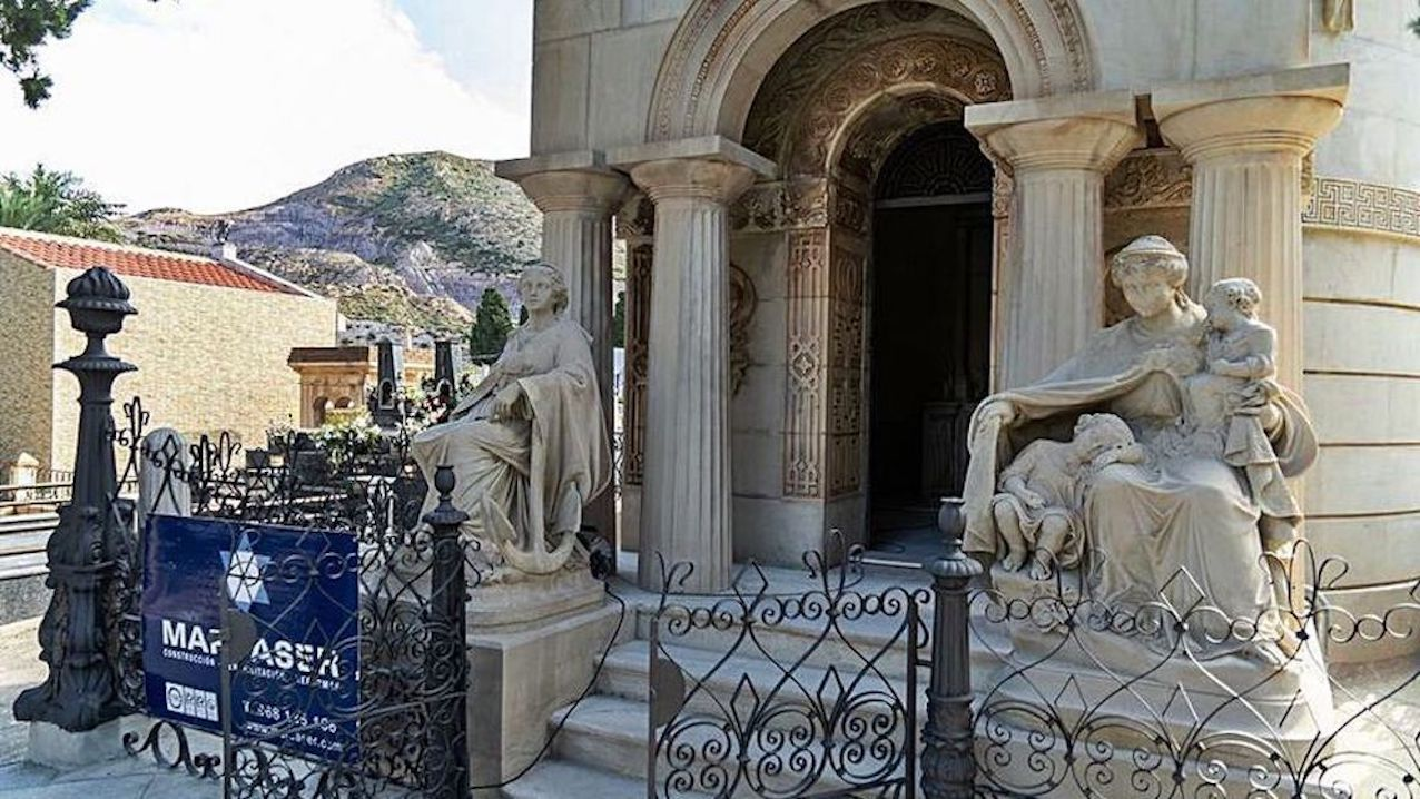 Esquelas.es | Concluye la rehabilitación del panteón de la familia Pedreño y Deu en el cementerio de Los Remedios