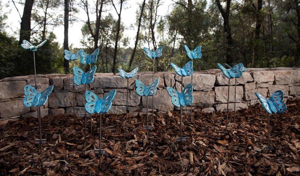 Esquelas.es   Roques Blanques activa el ?Jardín de las mariposas?, un espacio de duelo gestacional, perinatal y neonatal
