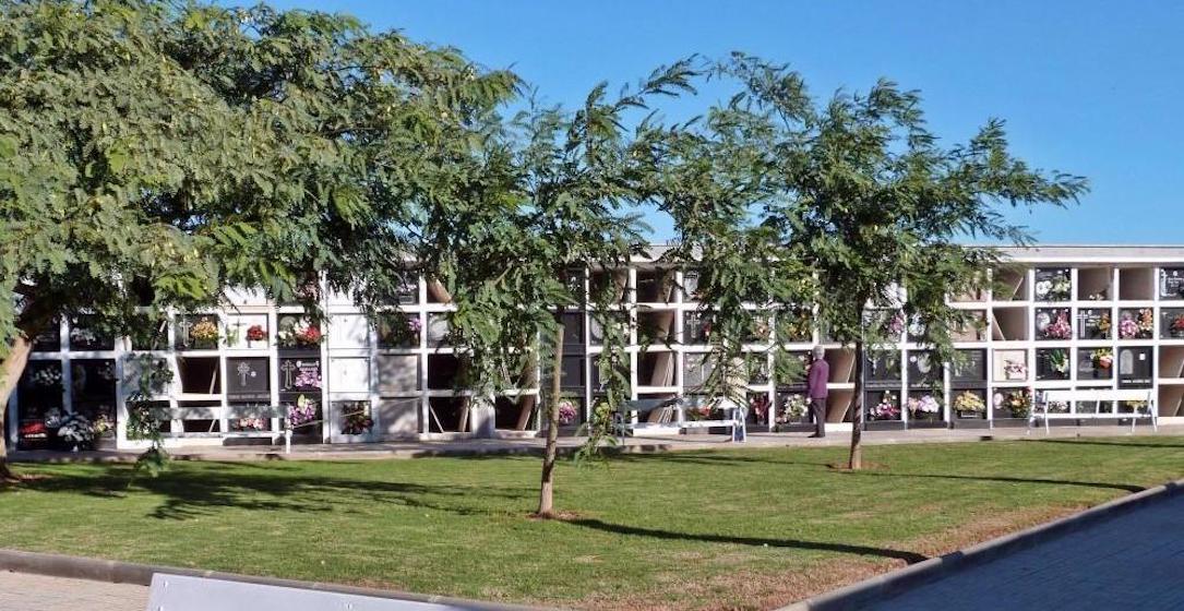 Esquelas.es | Ultiman los trabajos de adecuación en el cementerio municipal de Vinaroz para el Día de Todos los Santos