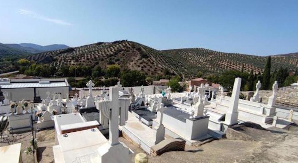 Esquelas.es | [BREVES] Talan todos los cipreses del cementerio // El camposanto musulmán de Burgos no dispone de tumbas