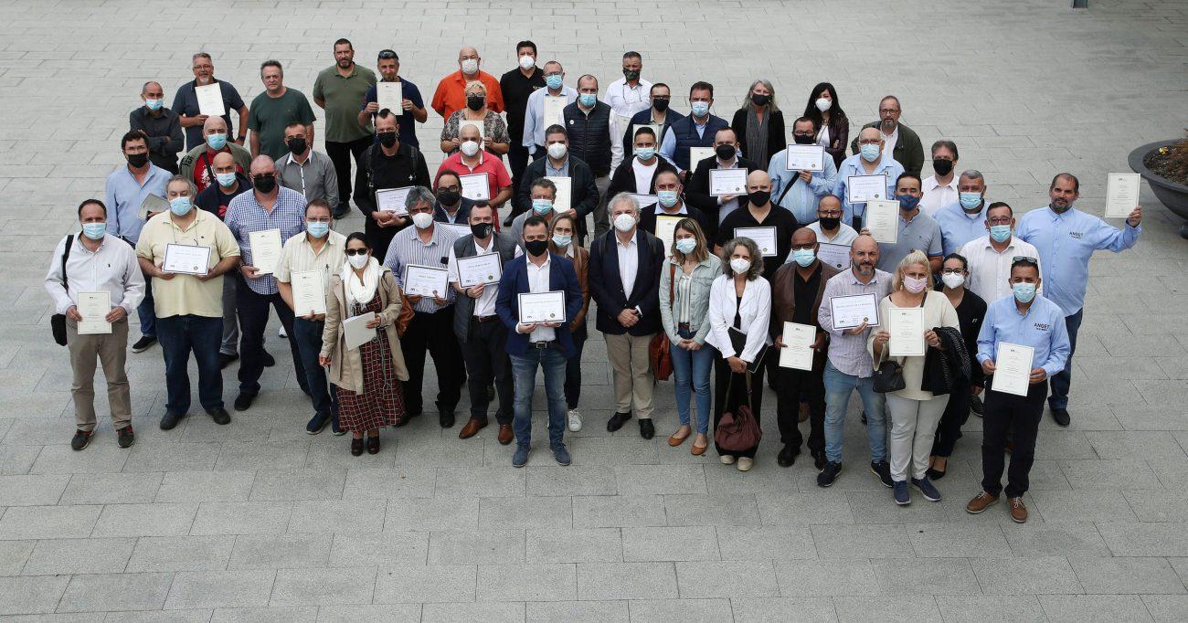 Esquelas.es | 150 taxistas de Barcelona superan el curso en acompañamiento funerario de SOS Taxi y Mémora